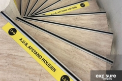 vloersticker-anderhalvemeter-exposurecompany